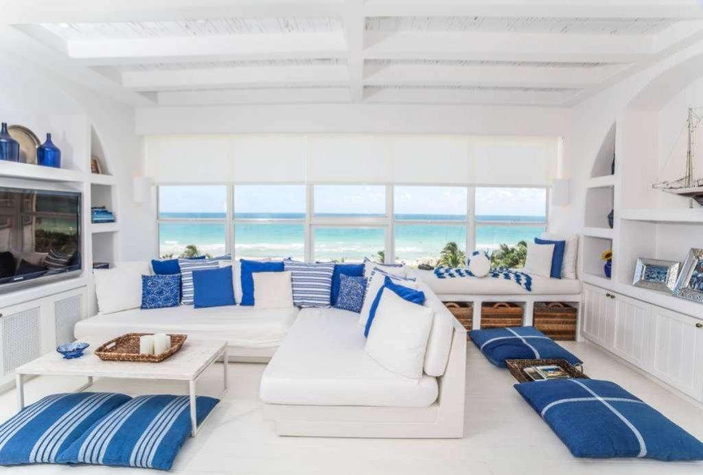 Themed Living Room Decor Ideas