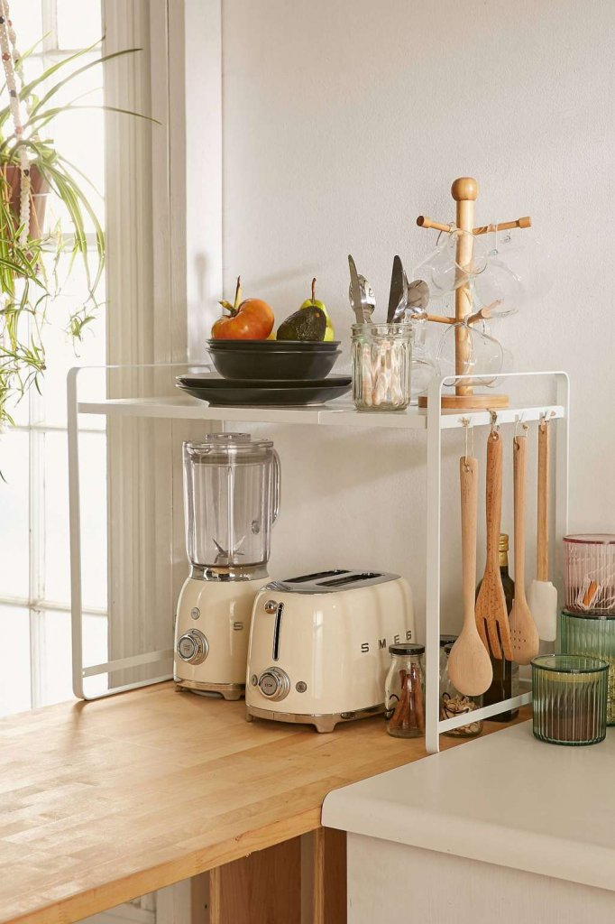 How to Declutter a Small Kitchen