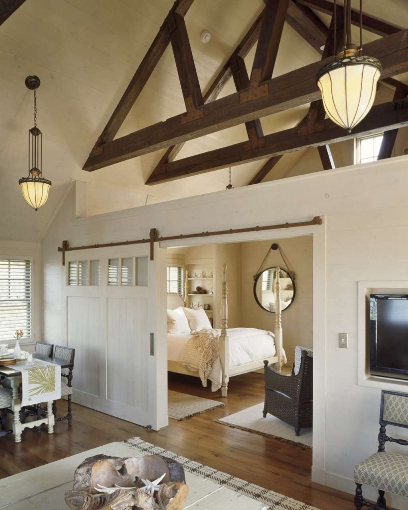 Ways to Decorate with Barn Doors