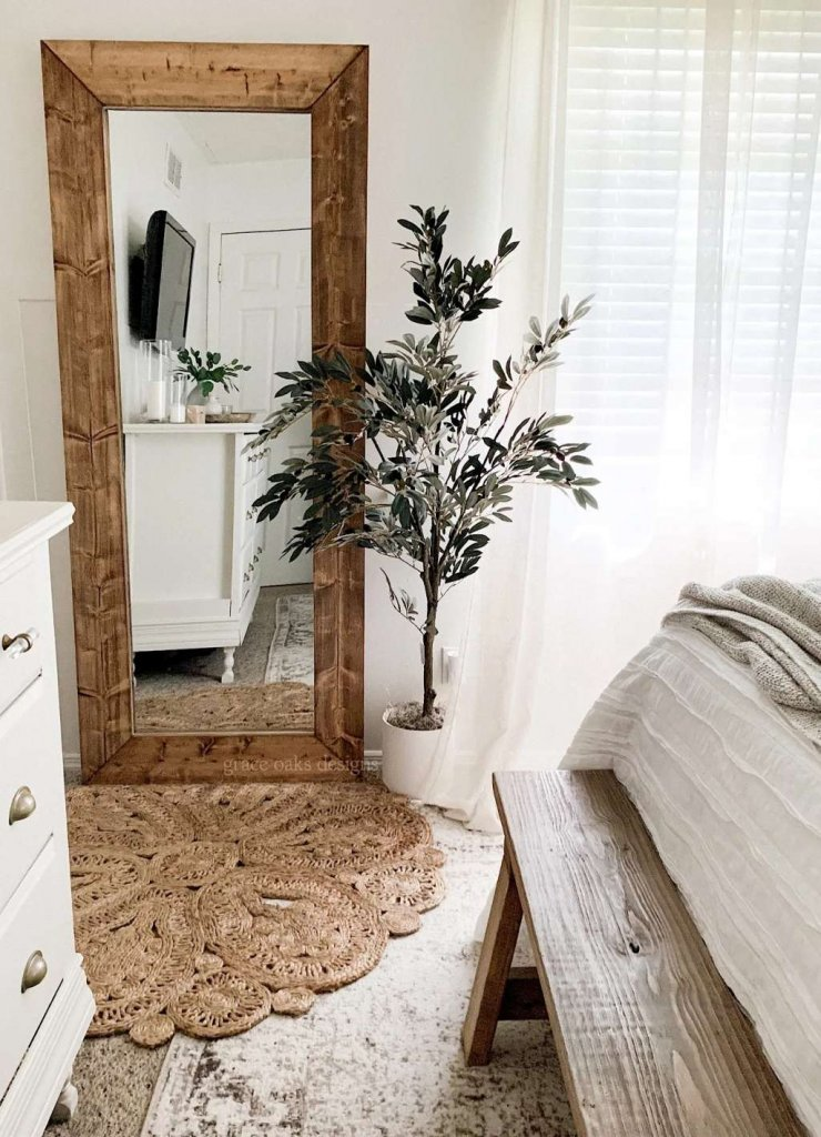 Ways to Style a Bedroom Mirror